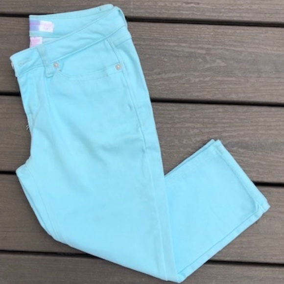 No Boundaries Capri Jeans Size 9
